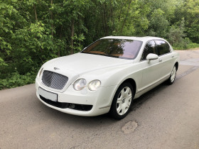 Автомобиль Bentley Continental Flying Spur 6.0 AT (560 л.с.) 4WD (2006г)
